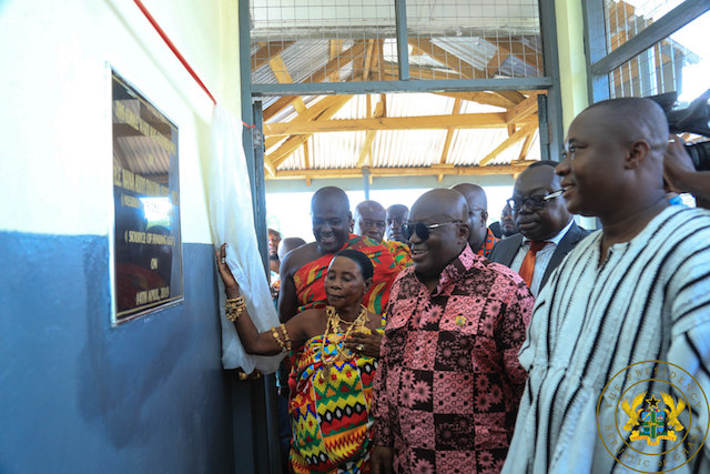 President Akufo-Addo commissions new NHIA Office building at Atebubu