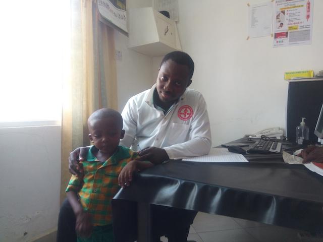 Toby Apomuta with Dr Moses Ofosu Amoako at Amiah Hospital in Bolgatanga