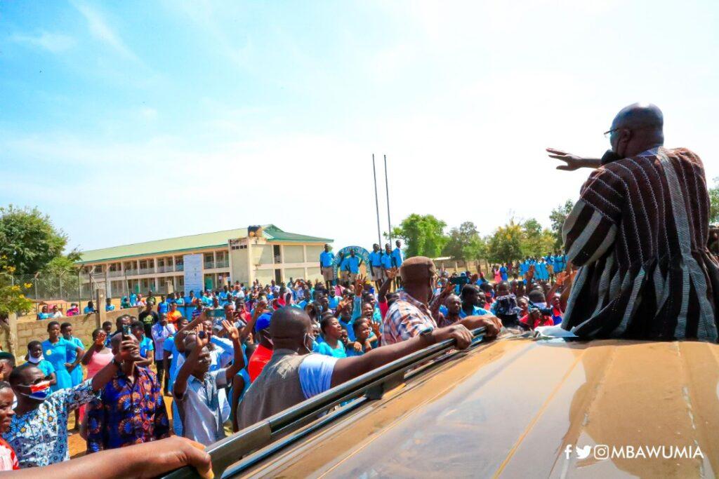Dr. Mahamudu Bawumia addressing the students