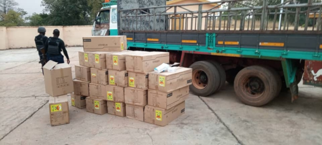 JUST IN: DCE caught 'packing government properties to private residence' (PHOTOS) 1