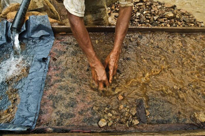 Gold is key to the economic survival of millions of Ghanaians. Knut-Erik Helle/Flickr, CC BY-NC