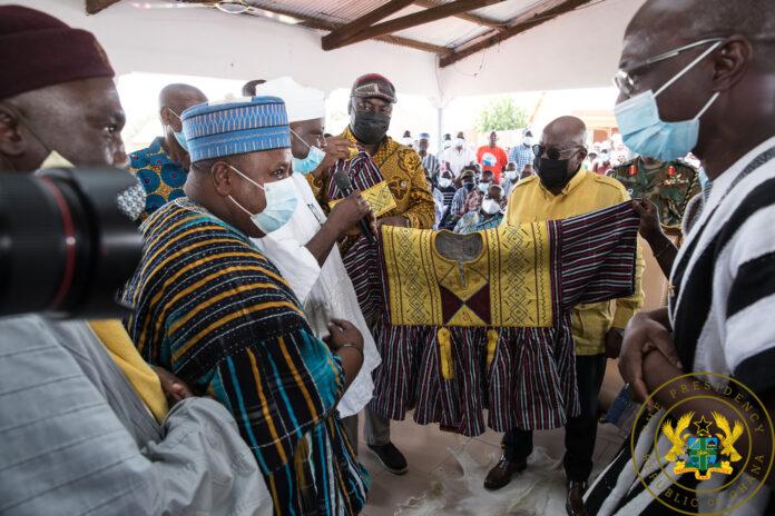Bawku Naba gives President Akufo-Addo a smock