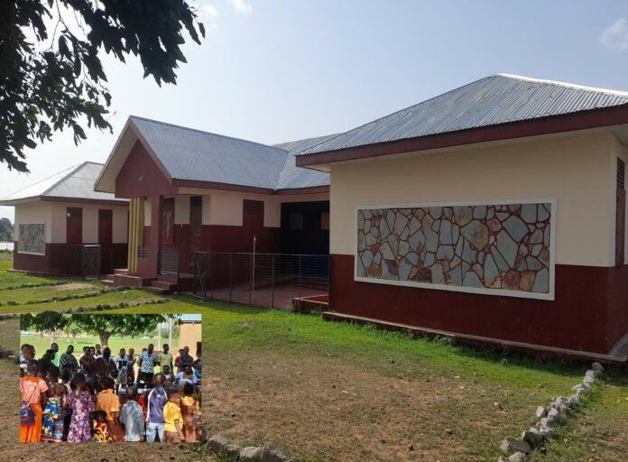 Policy watchers want government to adopt the design for basic schools nationwide.