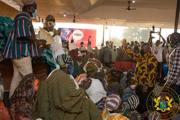 President Akufo-Addo exchanging pleasantries with the Ya Naa
